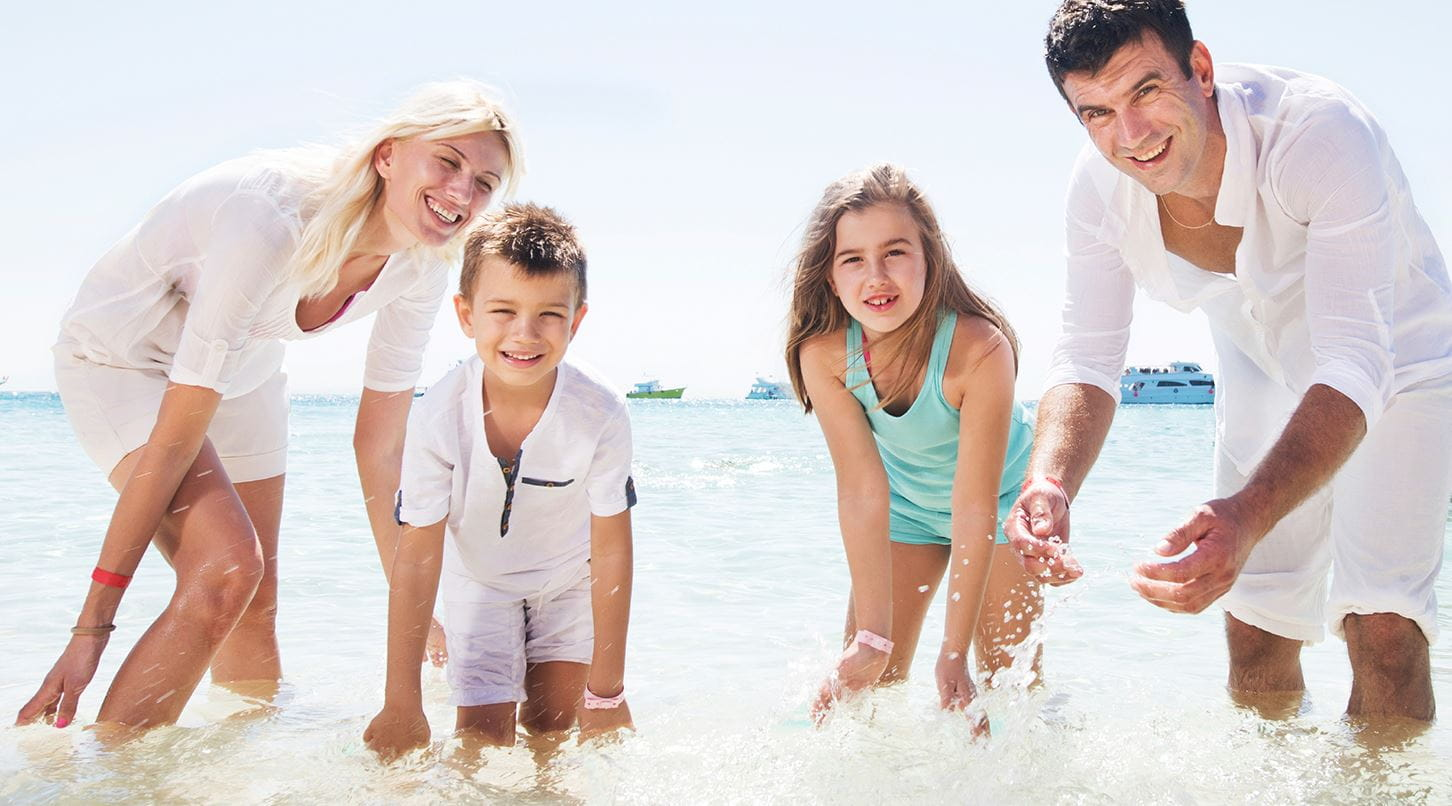 family preventing itchy skin after sun exposure